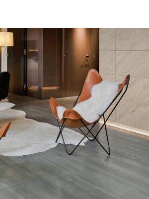 Techlam® Natura Grey 5mm de espesor .A medio camino entre el gris acero del cemento industrial y la textura de la madera escandinava.