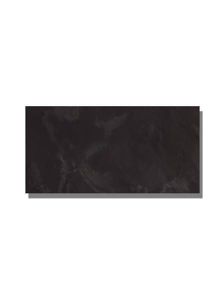Techlam® Slate Ebony 5mm de espesor 1500x1000 cm. Techlam Slate Ebony hace suya la versión más luminosa de la pizarra, una Piedra Natural milenaria.
