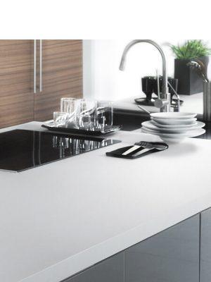 Techlam® Basic Ice 5mm de espesor 1500x1000 cm. Un material porcelánico que refleja la perfecta estética minimal, siendo el blanco más puro de la gama.