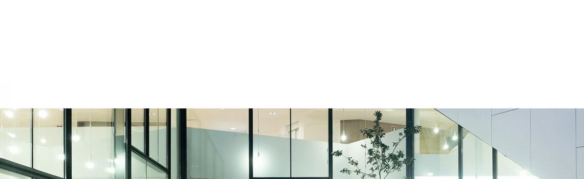 Techlam® Basic Neu 5 mm de espesor 1500x1000 cm. Techlam® Basic Neu y su tono blanco roto lo hacen la opción perfecta para la creación de estancias minimalistas y asépticas.