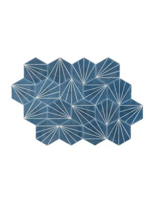 Baldosa hidráulica Hexagonal Ray 23x20x1.5 cm de cemento pigmentado.Labaldosa hidráulicadecorativa se puede utilizar tanto en interior como en exterior.