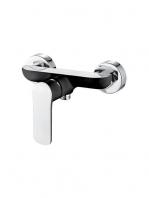 Monomando ducha edfu. Disponible en tres acabados actuales, cromado, cromo-blanco y cromo negro.De formas redondeadas con un marcado estilo moderno.