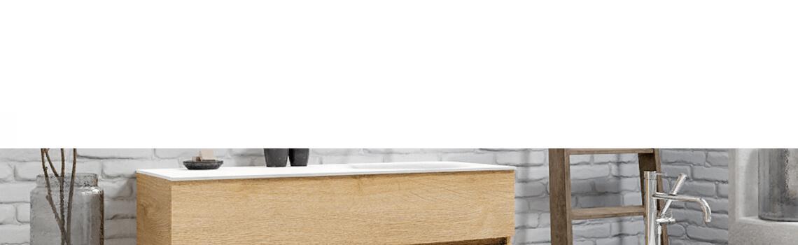 Mueble de baño suspendido Vica 120 Wood roble natural 2 cajones en acabado Wood roble natural mate. Un mueble de baño de apertura suave por uñero con encimera para grifo empotrado y seno derecho.