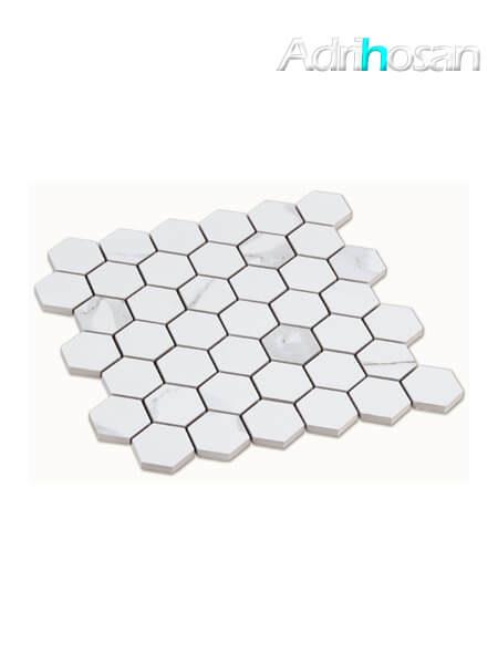 Azulejo porcelánico enmallado hexagonal calacatta 30x30 cm tesela de 4.9 x 5.6 cm (venta por mallas)