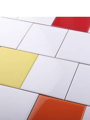 Revestimiento precorte 10x10 pasta roja liso 20x20 cm. Un azulejo fácil de instalar y que te ofrecerá el aspecto de un azulejo 10x10 cm.