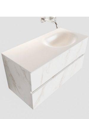 Mueble de baño suspendido Vica 100 carrara mate 2 cajones en acabado carrara mate . Un mueble de baño de seno derecha de apertura suave por uñero con encimera para grifo empotrado.