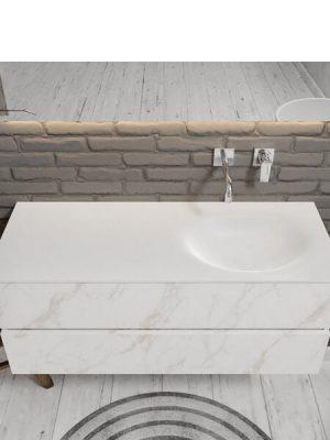 Mueble de baño suspendido Vica 120 carrara 2 cajones en acabado carrara mate. Un mueble de baño de seno derecho de apertura suave por uñero con encimera para grifo empotrado.