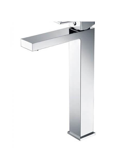 Monomando lavabo alto Lucena cromo brillo. La grifería Lucena se caracteriza por las suaves curvas que delimitan su contorno.