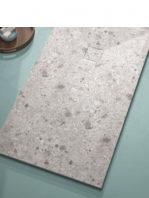 Plato de ducha de resina Gel Coat Terrazo gris