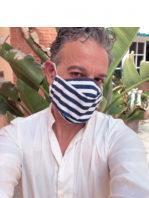 Mascarillas de diseño by Theo Garrido Couture. Azul marino rayas blancas