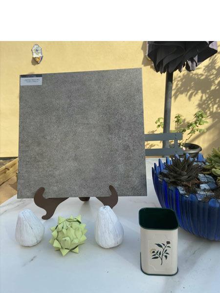 Pavimento antideslizante porcelánico Ford tabaco 33,3x33,3 cm (1,33 m2/cj)