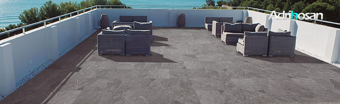 Pavimento antideslizante porcelánico takoda gris 33x33 cm.