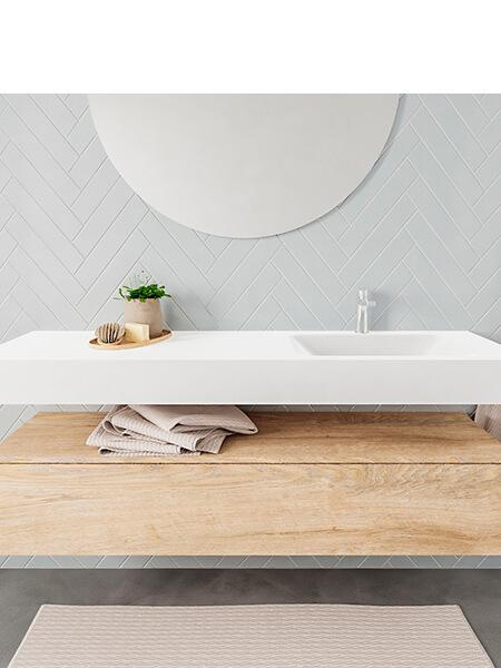 Mueble suspendido ALAN 150 cm de 1 cajón roble lavabo. Encimera con lavabo CLOUD derecha 1 orificio blanco mate