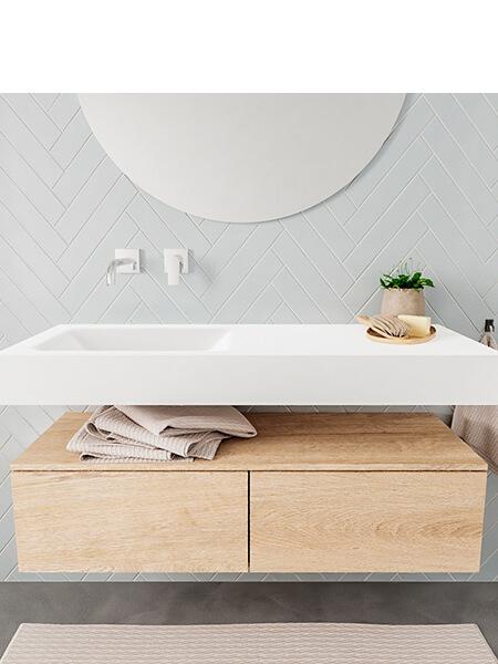 Mueble suspendido ALAN 120 cm de 2 cajones roble lavabo. Encimera con lavabo CLOUD izquierda sin orificio blanco mate