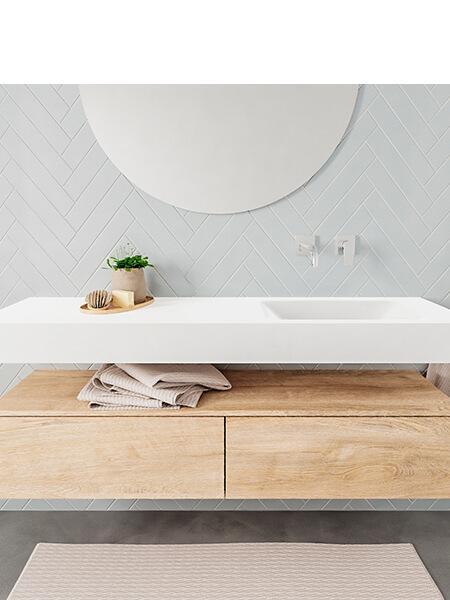 Mueble suspendido ALAN 150 cm de 2 cajones roble lavabo. Encimera con lavabo CLOUD derecha sin orificio blanco mate