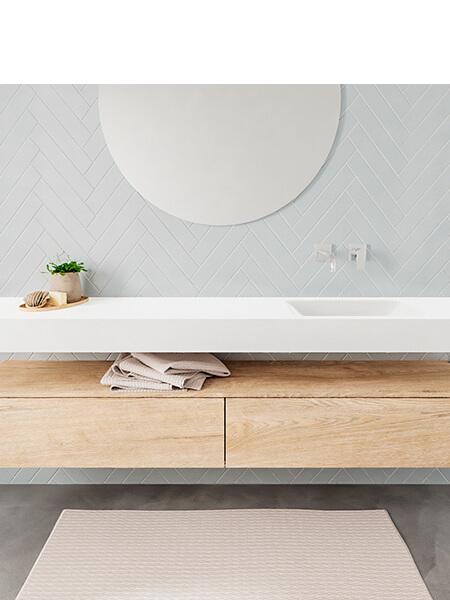 Mueble suspendido ALAN 200 cm de 2 cajones roble lavabo. Encimera con lavabo CLOUD derecha sin orificio blanco mate