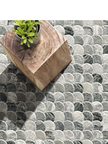 Azulejo porcelánico escama pez Scale Stone Steel 30.7x30.7 cm. Una escama de pez porcelánica que te encantará.